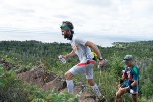 Early in the race near Split Rock Lighthouse (photo: Todd Rowe)